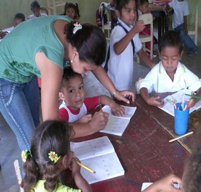 Niños de Canutal en clases